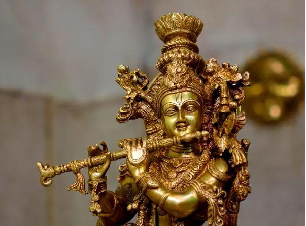 krishna murti in yamuna