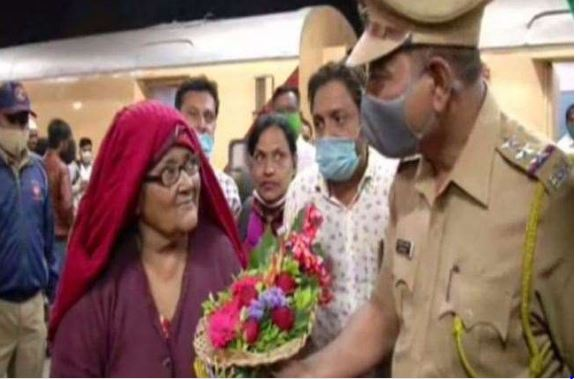 mumbai-a-woman-who-has-been-in-pakistan-s-jail-for-18-years-returned-to-india-said-was-forcefully-imprisoned