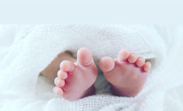 Virat Kohli's wife Anushka Sharma gave birth to her first child