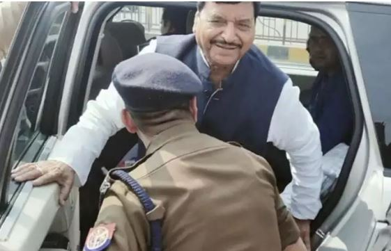 investigation-against-co-touching-shivpal-yadav