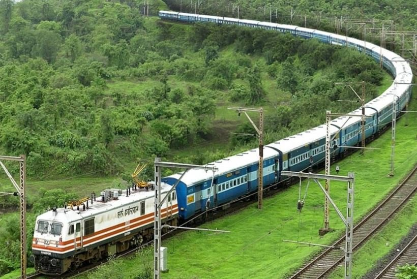 sarkari-naukri-indian-railway-recruitment-2021-golden-chance-of-get-jobs-in-indian-railways-for-8th-pass-selection-will-be-done-without-exam-apply-at-ecr-indianrailways-gov-in