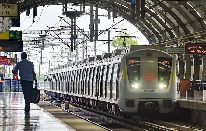 delhi-city-many-stations-of-delhi-metro-temporarily-closed-then-operational-after-sometime-here-is-the-list