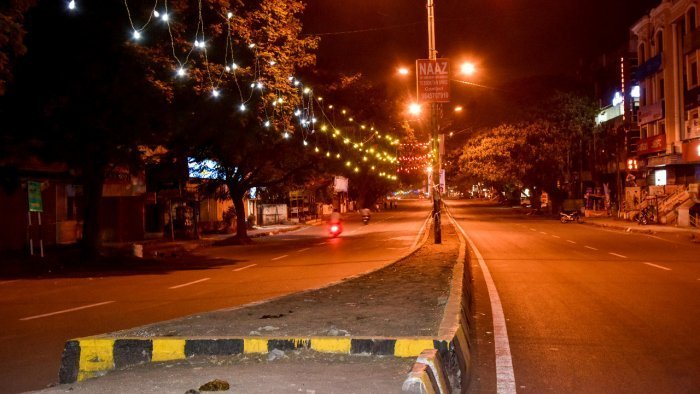 noida curfew
