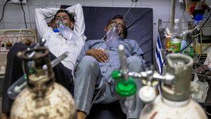 दिल्ली सरकार देगी ऑक्सीजन की कमी से मरने वालों को 5 लाख का मुआवजा